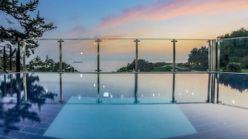 Enter your dates to get the Namhae hotel deal