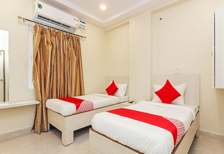 OYO 29928 Royal Emirates Banjara, Hyderabad, Double or Twin Room, Guest Room
