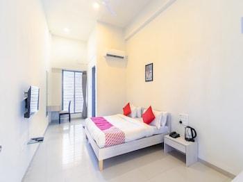 Fotografia do OYO 43259 Hotel Anant Bliss em Surat