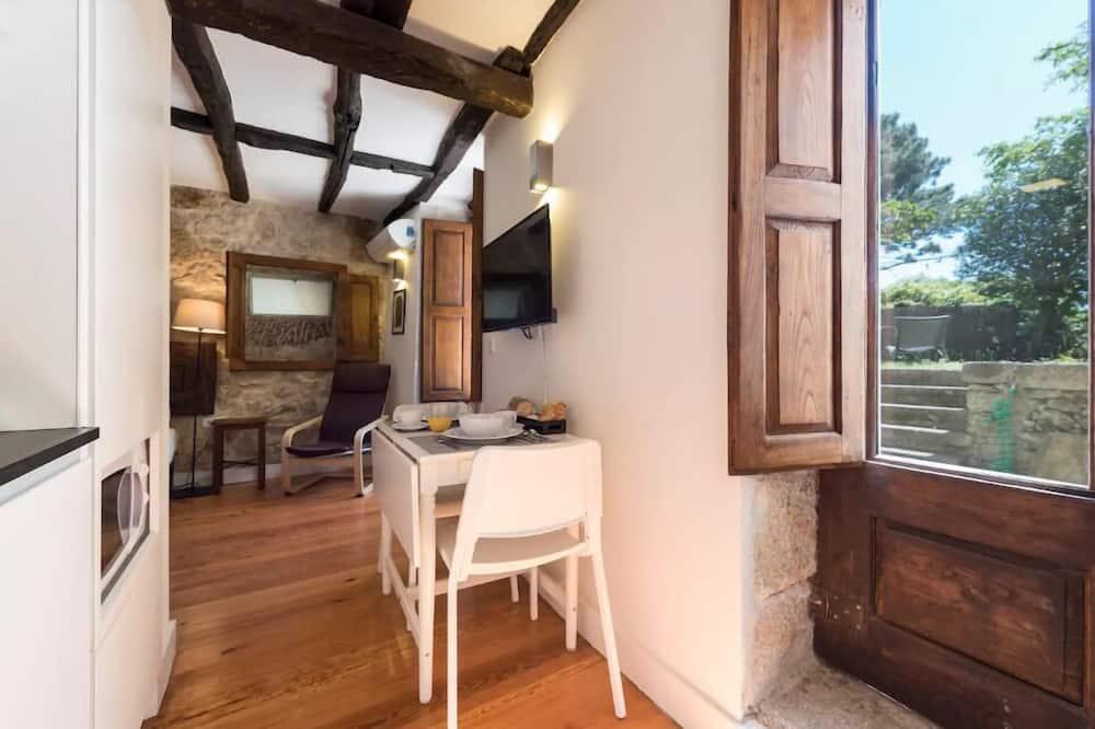 Studio, Terrace - In-Room Dining