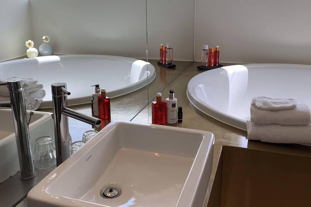 Phòng đôi Tiêu chuẩn, Bồn tắm - Phòng tắm