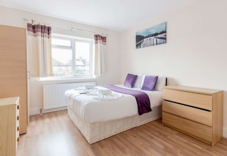 Croxley Business Park Rooms, Watford, Business Double Room, Private Bathroom, Guest Room