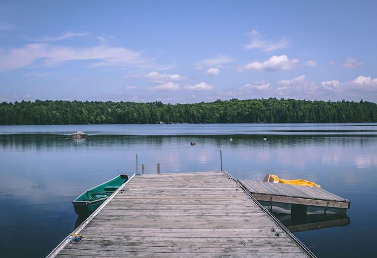 Great Blue Resort Bonnie Lake Resort , Bracebridge, Lake