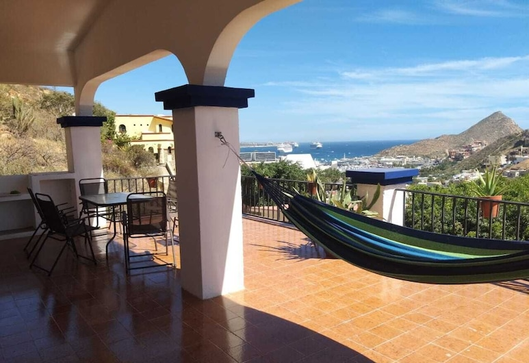 Amazing View to Cabo San Lucas Bay, Loft in a Gated Community Close to Downtown, Cabo San Lucas, Balkoni
