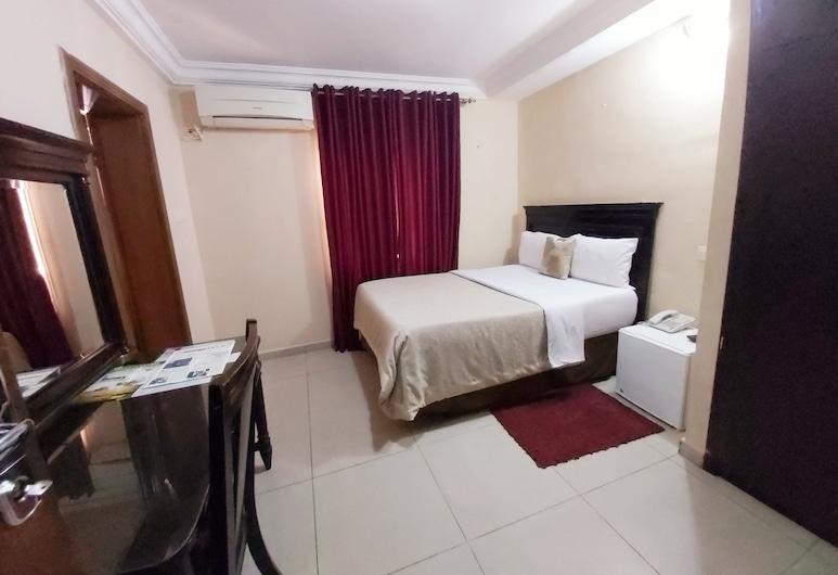 The Emperor's Place. Plot 12, Lagos, Standard Suite, 1 Queen Bed, Guest Room
