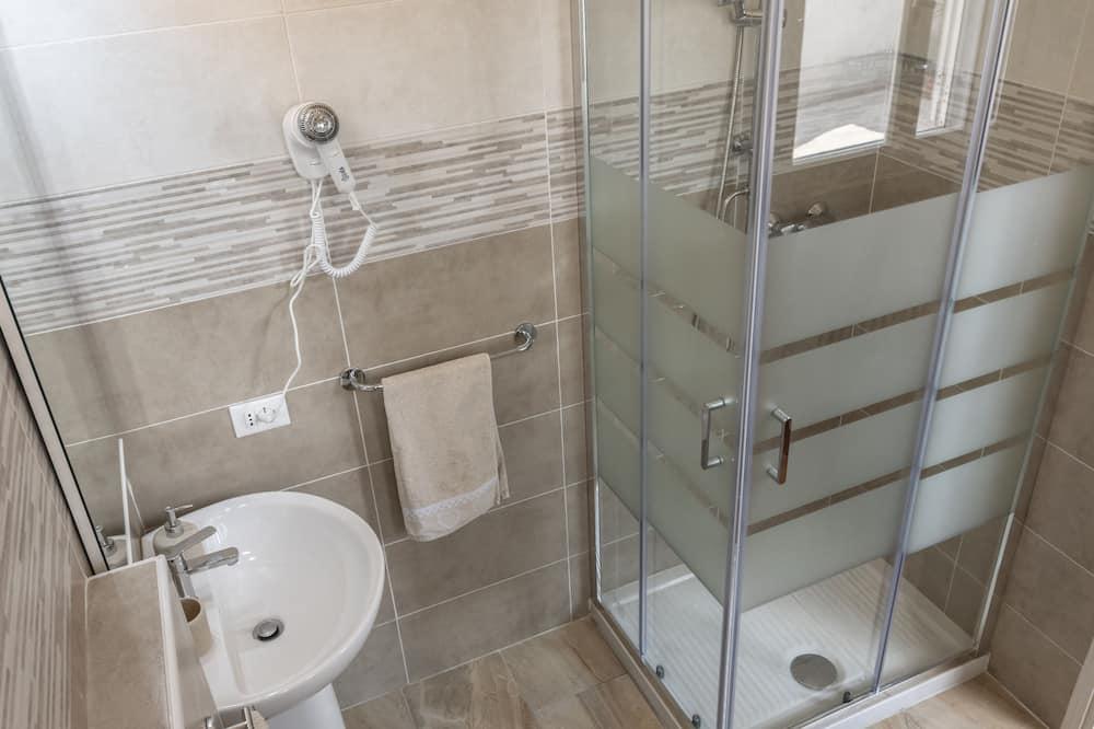 Habitación triple clásica - Baño
