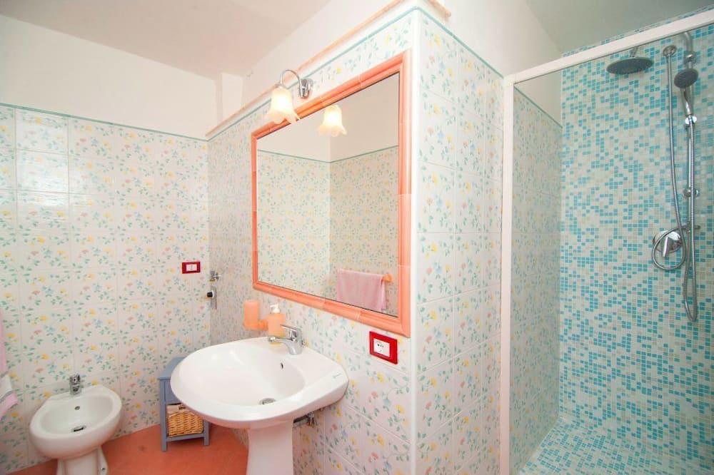 Doppelzimmer, eigenes Bad (external - Giardino) - Badezimmer