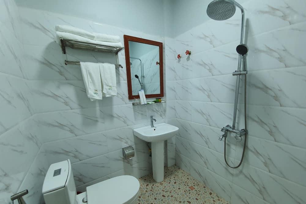 ファミリー トリプルルーム - バスルーム