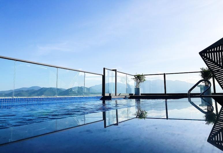 Ivy Nha Trang hotel, Nha Trang, Sundeck