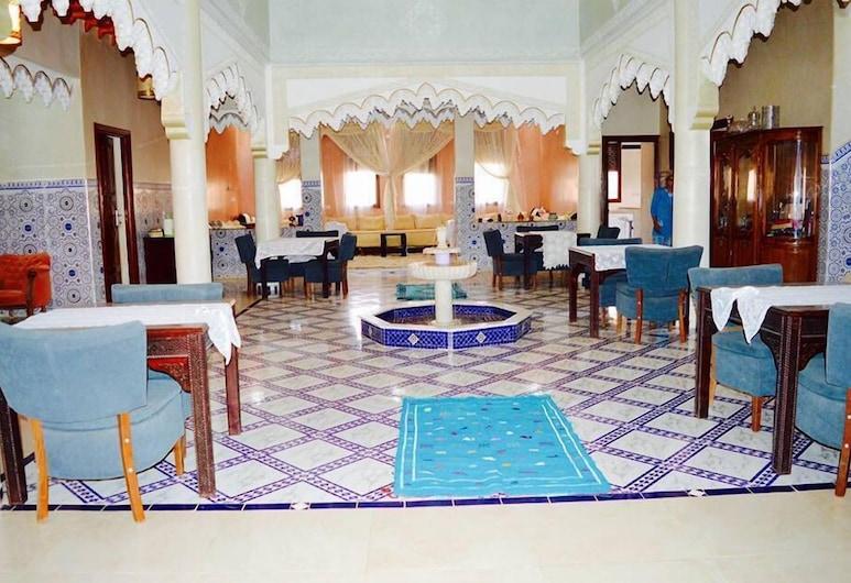 Riad Sadoq, Τάουζ, Μπάνιο