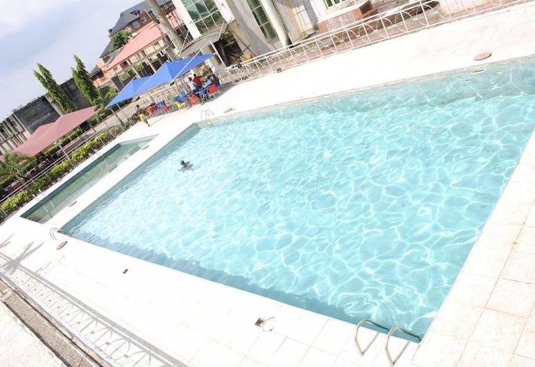 史塔珍國際飯店, 拉各斯, 室外游泳池