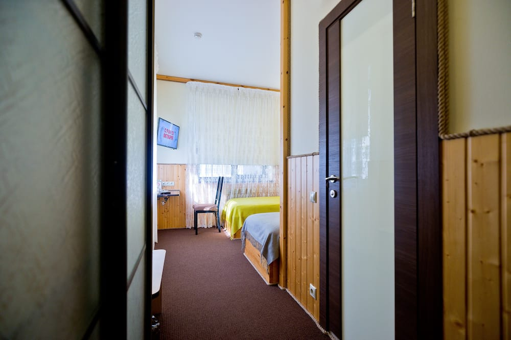 Стандартний двомісний номер (2 односпальних ліжка) - З видом на внутрішній двір