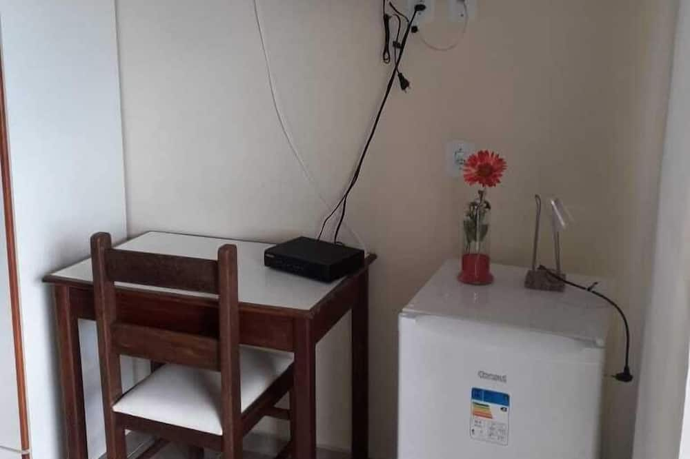 Triple Room with air conditioning - Television
