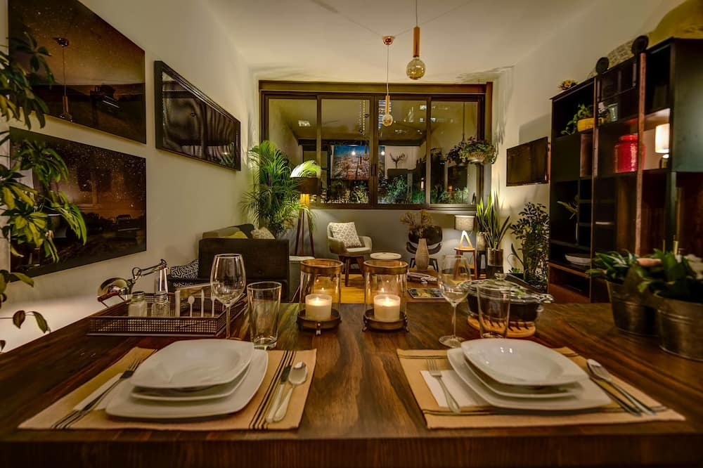 Apartment, Non Smoking - In-Room Dining
