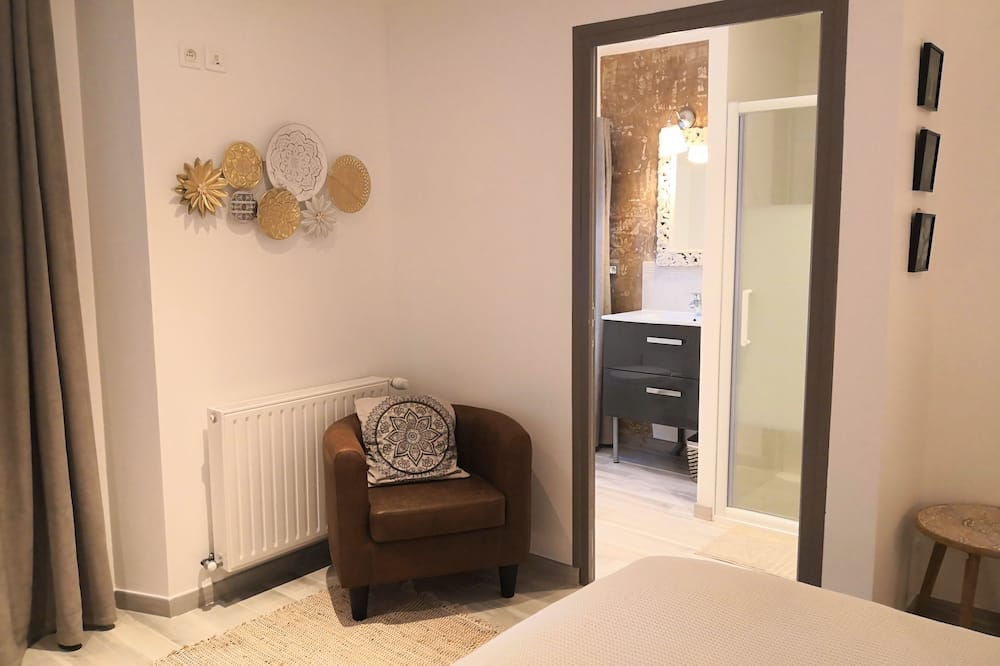 Double Room (Bombay) - Bathroom