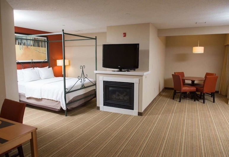 Hawthorn Suites BY Wyndham Erie, Erie