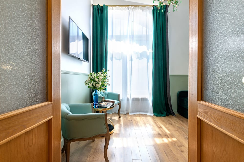 Studio – design, 1 queensize-seng med sovesofa, tekjøkken (Green Living Room) - Oppholdsområde