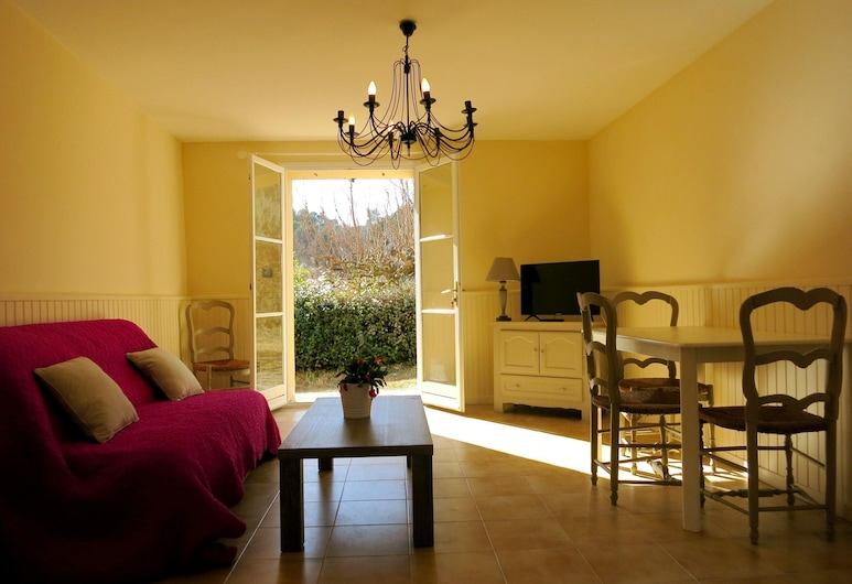 House With 2 Bedrooms in Barjols, With Private Pool, Furnished Terrace and Wifi, Barjols, Stue