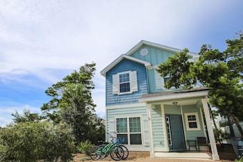 Naktsmītnes 30A Beach House - A Little Reflection by Panhandle Getaways  attēls vietā Panamasitijbīča