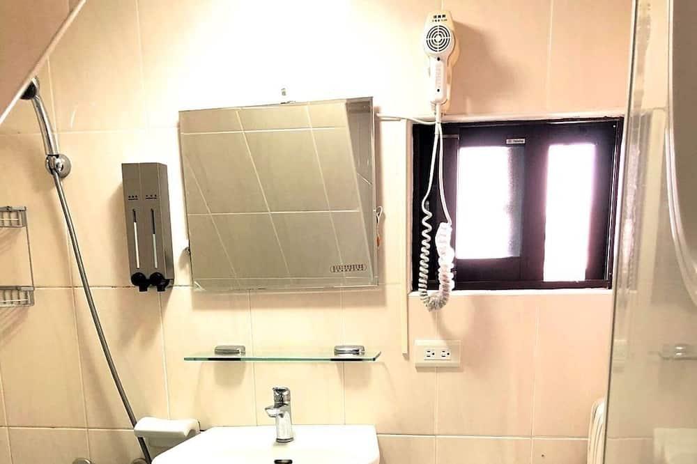 Kamar Quadruple Klasik - Kamar mandi