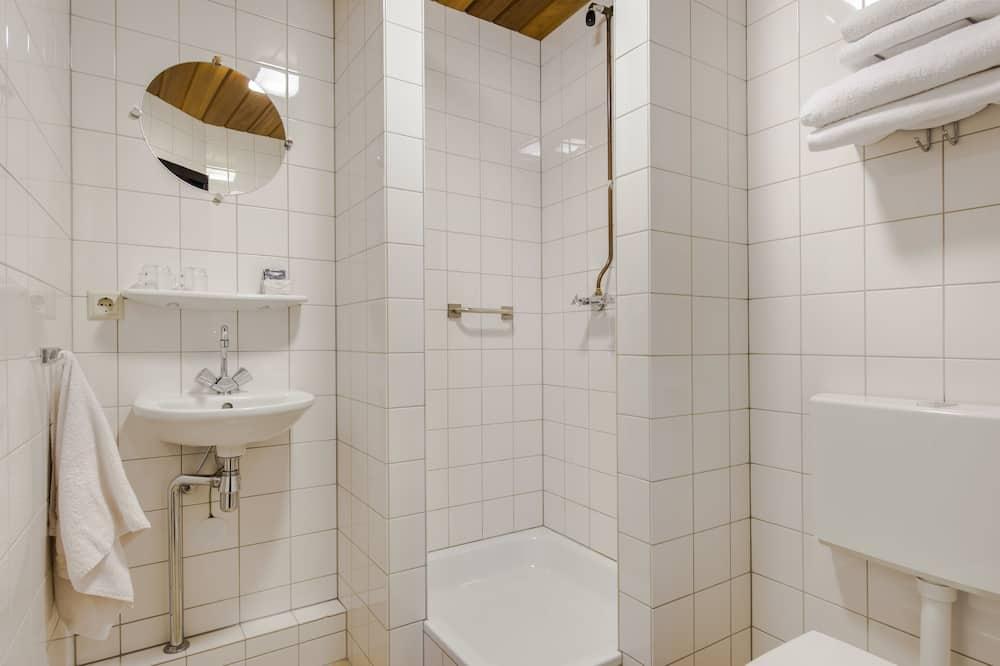 쿼드룸, 금연 - 욕실