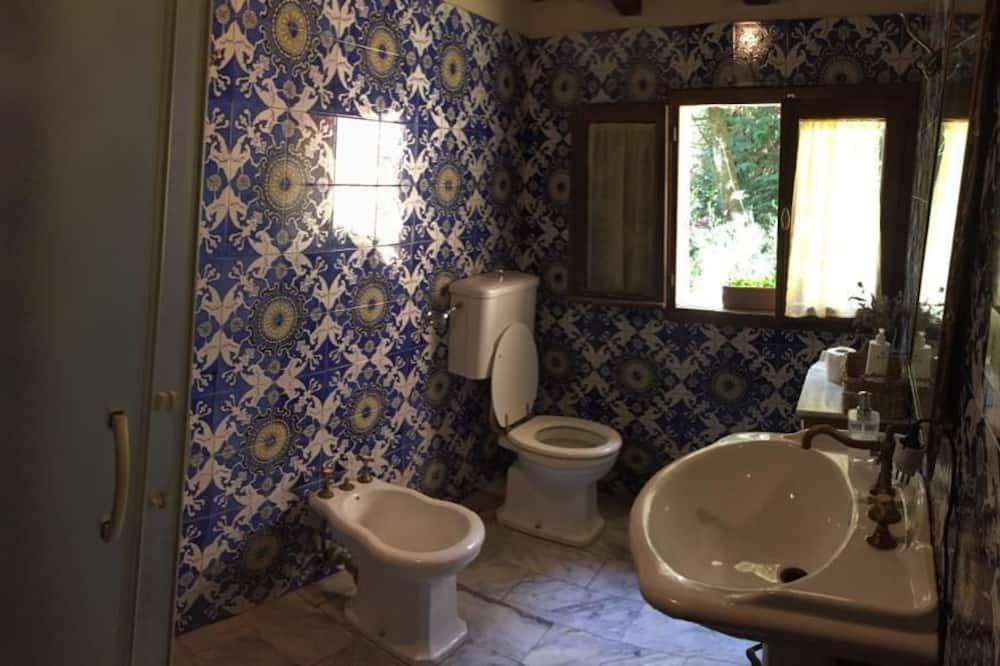 Casa de campo, baño privado (not in room) - Baño