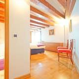Nhà Duplex, 2 phòng ngủ, Quang cảnh kênh, Khu vực vườn - Phòng tắm