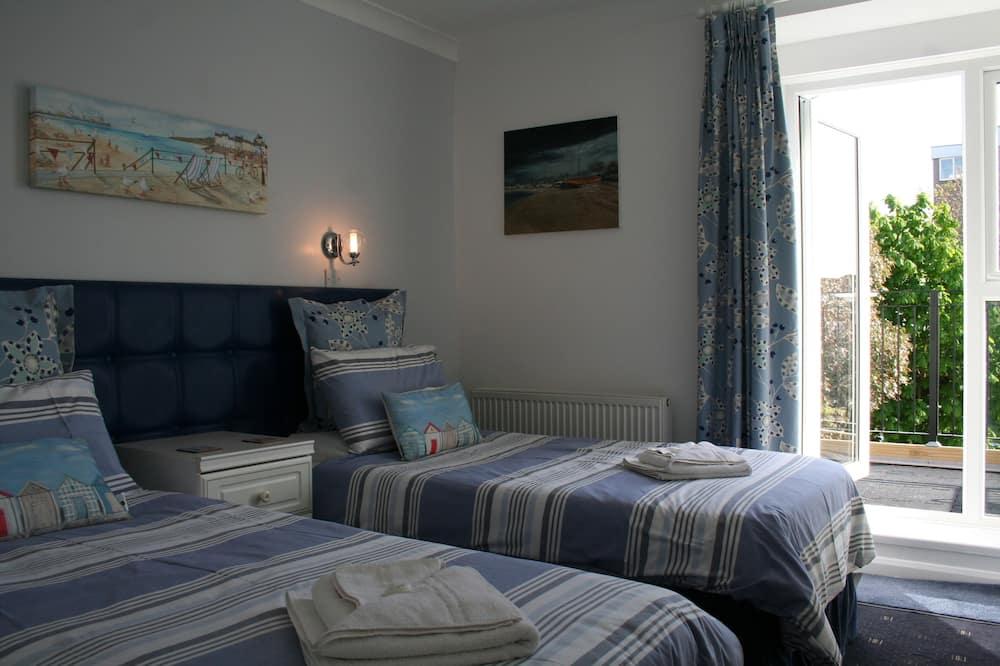 Twin Room, Balcony - Guest Room