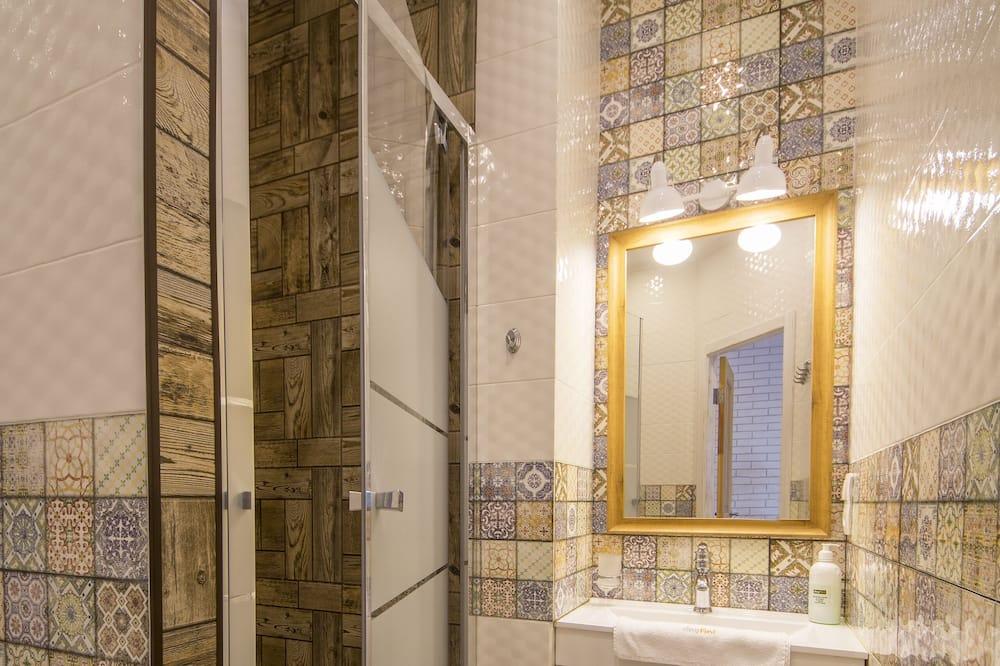 Studio (4) - Bathroom