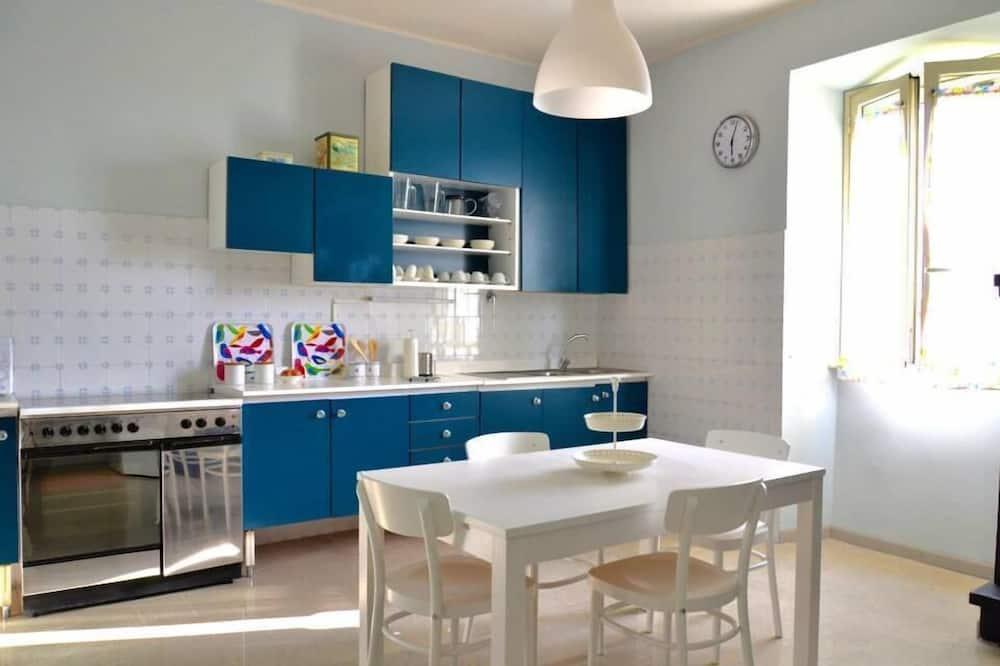 Pokoj se dvěma jednolůžky - Společná kuchyně