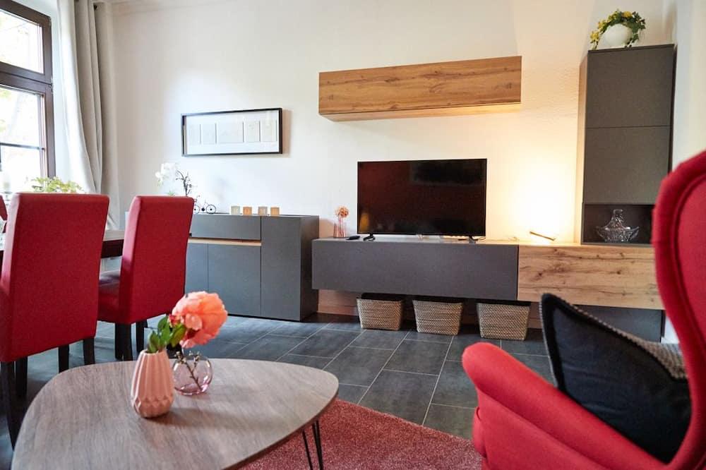Apartman u centru (6 Persons, incl. cleaning fee 39 EUR) - Dnevni boravak