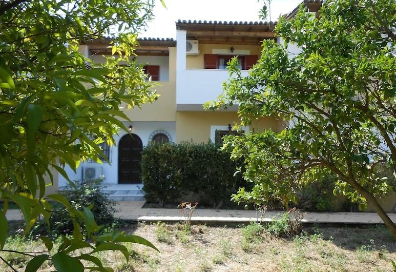 蘇格拉底開放式公寓酒店, 科孚島