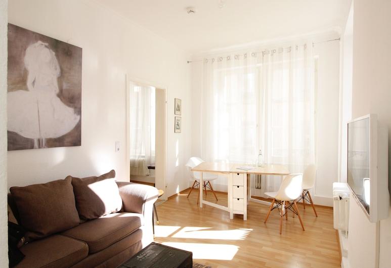 Boutique Charme Apartments 12, Баден-Баден, Apartment Ella, Гостиная