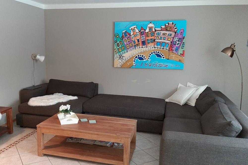 Apartmán, 1 ložnice, balkon - Obývací prostor