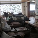 Casa, varias habitaciones, balcón - Sala de estar