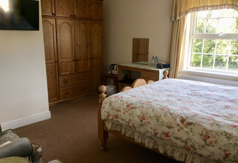 Mill Farm, Middlesbrough, Double Room with Private Bathroom, Room 4, Guest Room