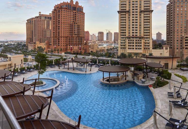 Hilton Doha The Pearl Hotel & Residences, Doha, Kolam