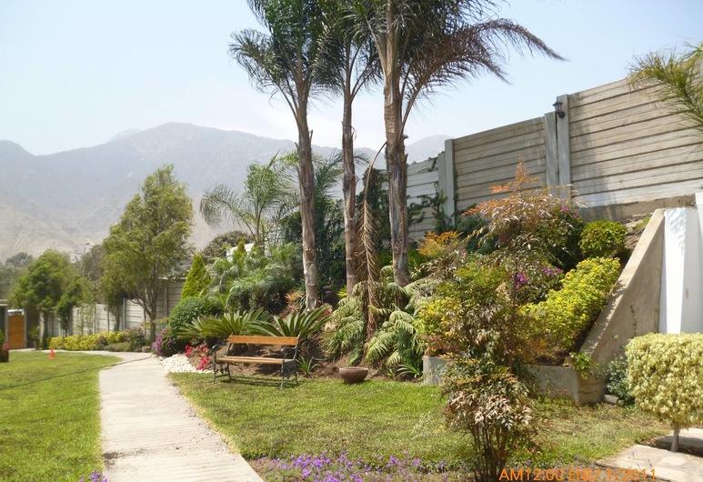 Las Cumbres Inn, Cieneguilla, Binnenplaats