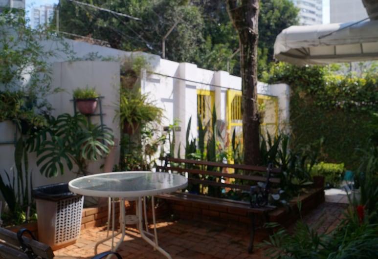 Hostel Casa Branca, Sao Paulo, Garden