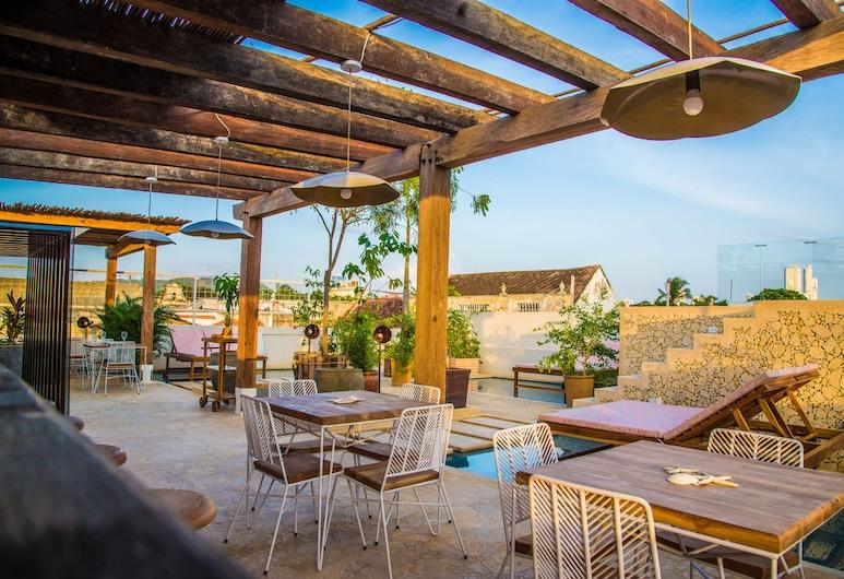 Soy Local Insignia, Cartagena, Pool
