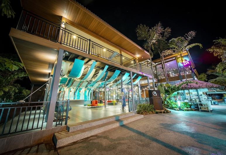Aman Tioman Beach Resort , Tioman Island, Fassaad õhtul/öösel