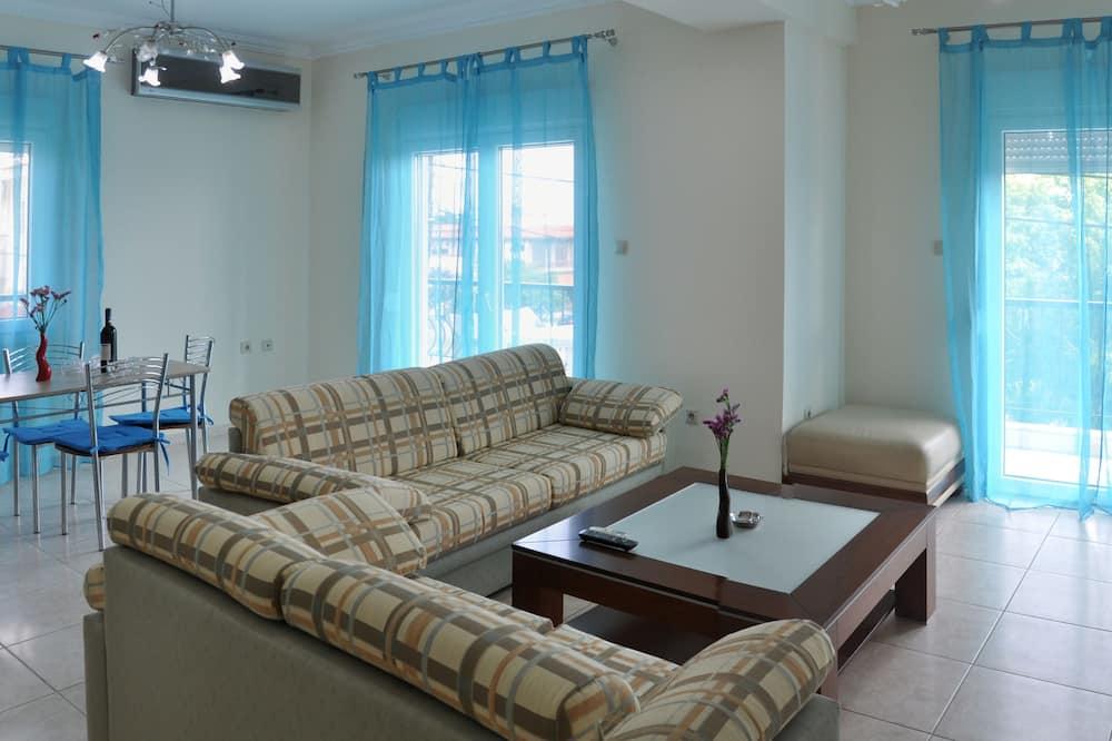Liukso klasės apartamentai, 2 miegamieji, Nerūkantiesiems, vaizdas į jūrą - Svetainės zona