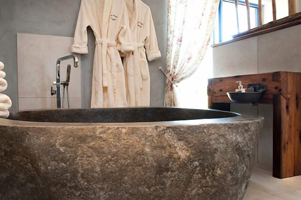Tek Büyük Yataklı Oda (l'Aubrac) - Banyo