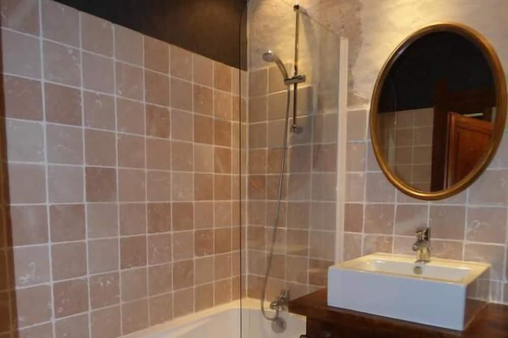 Doppelzimmer (Mademoiselle) - Badezimmer
