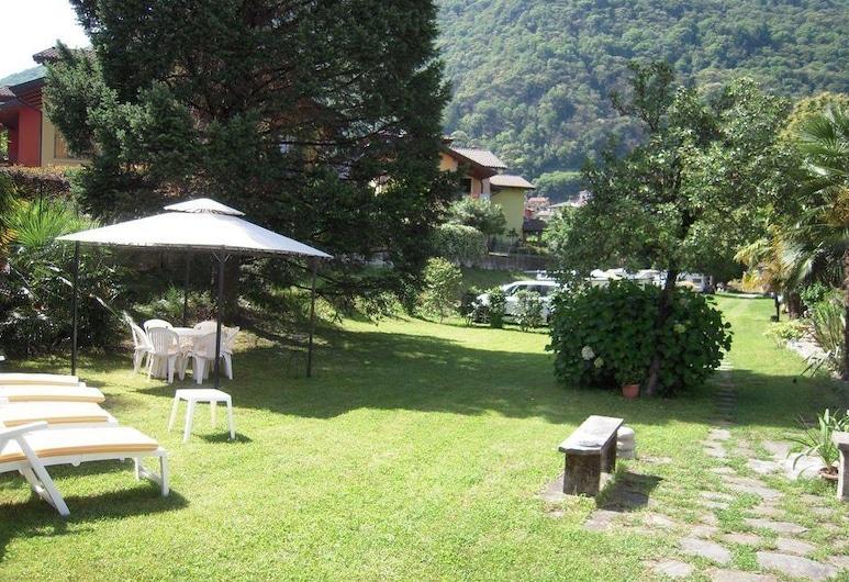 B&B Azalea, Cannobio, Garden