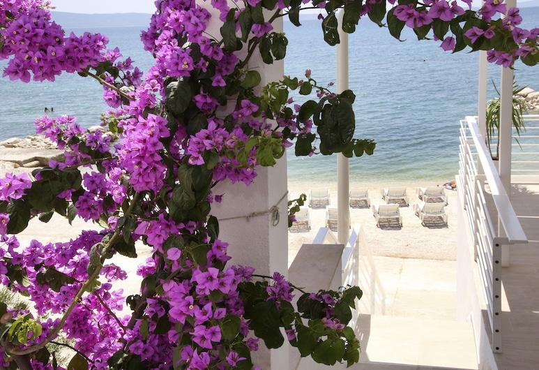 Beach Rooms Split, Podstrana, Vchod do hotela