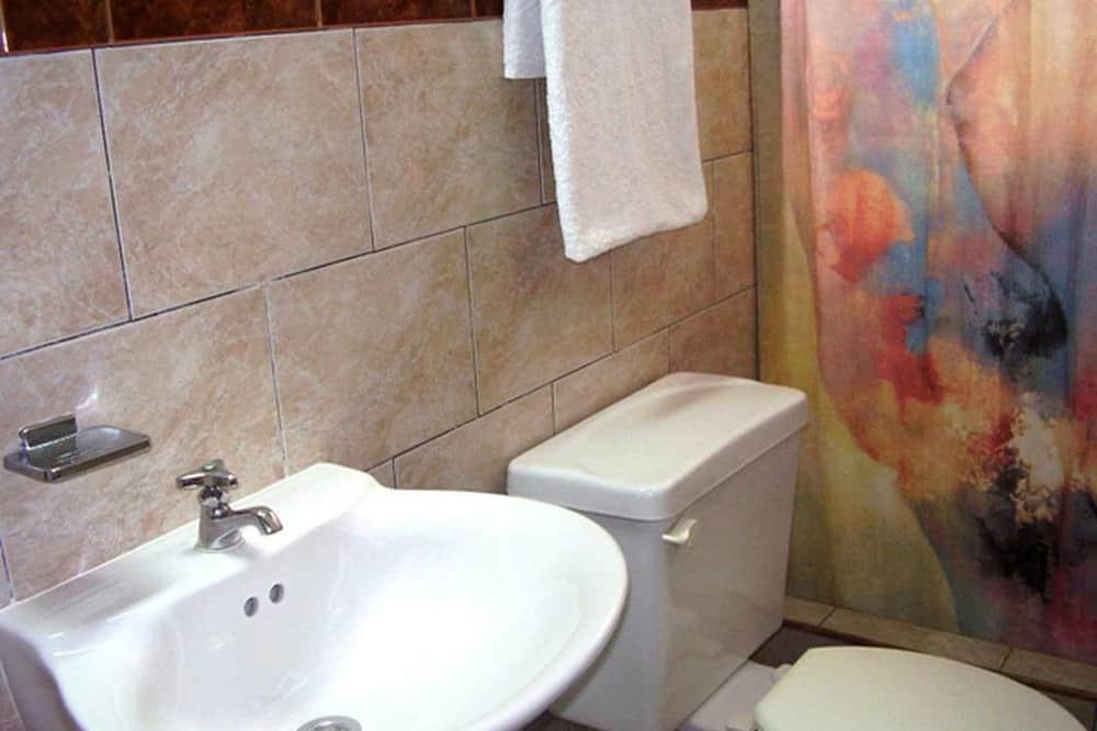 エクスクルーシブ トリプルルーム - バスルーム