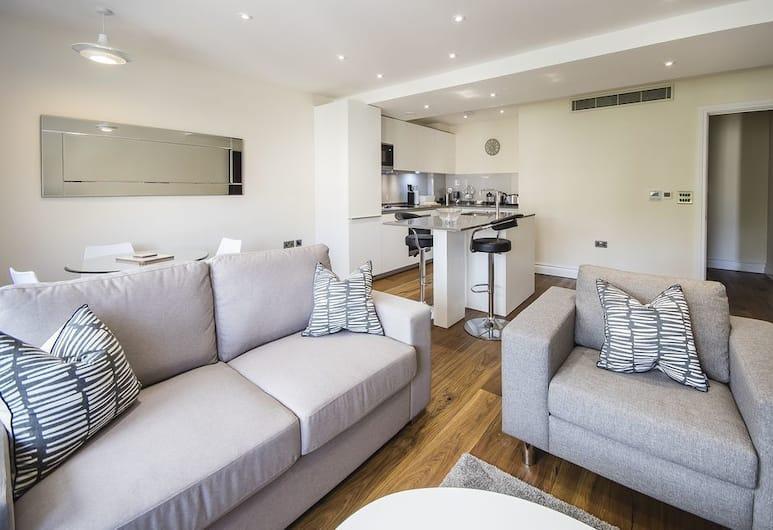 Kensington Luxury One Bedroom Apartment , London