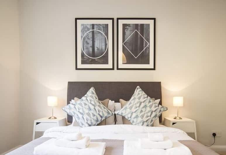 Contemporary Two Bed South Kensington, London, Apartment, 2 Bedrooms, Room