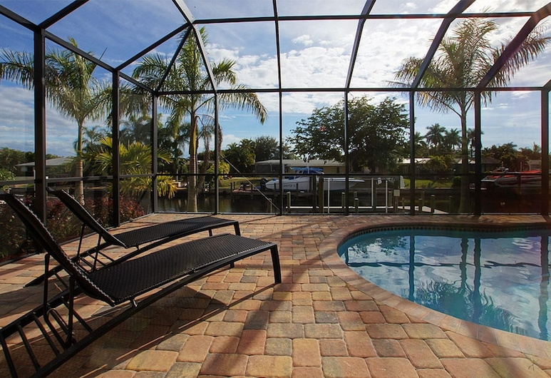 House Coral Beach by Vacationhit, Cape Coral, Ytra byrði